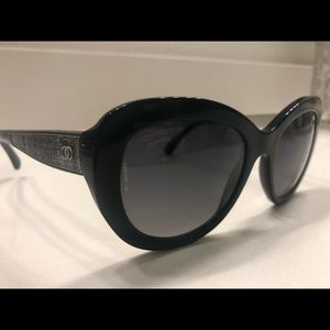 CHANEL Polarized Sunglasses Back/Silver CC Logo
